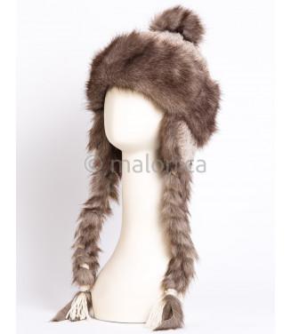 Chapeau fait de fourrure...